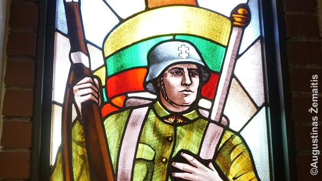 Vitražas Hamiltono lietuvių bažnyčioje