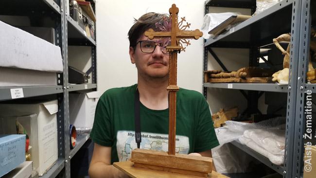 Senojo kryžiaus lietuivų kankiniams Midlande maketas Kanados lietuvių archyve-muziejuje