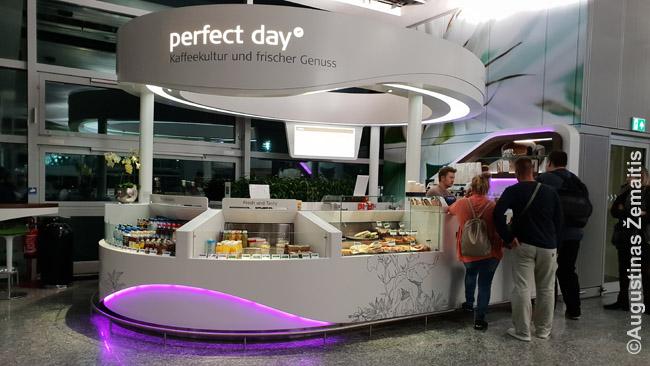 Labai brangi kavinė Frankfurto oro uoste