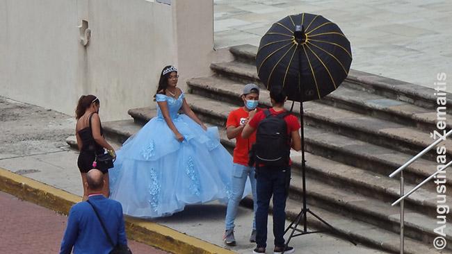 Eilinė fotosesija Panamos senamiestyje