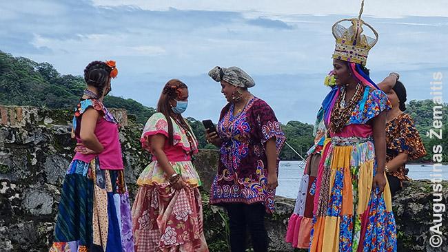 Portobelo forte vietiniai repetuoja renginį