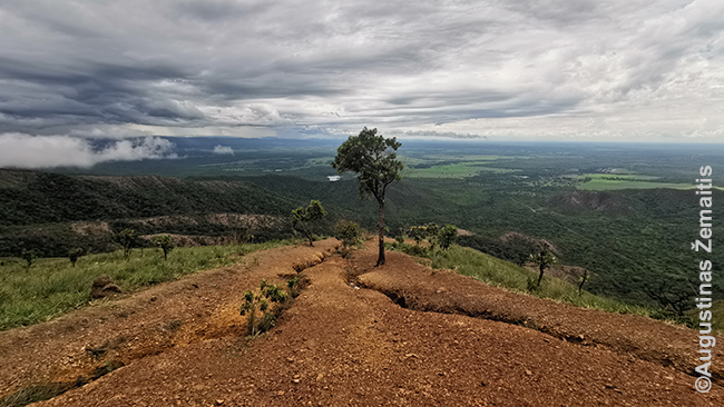 Geodezinio centro apžvalgos aikštelės vaizdas Šapada Guimaraes