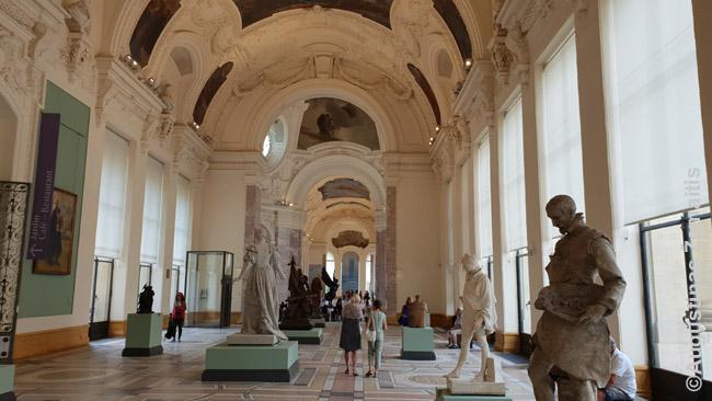 Petit Palais meno muziejaus vidus. Šie rūmai statyti 1900 m. pasaulinei parodai, vykusiai Paryžiuje ir puošnumu turėjo priblokšti svečius iš viso pasaulio