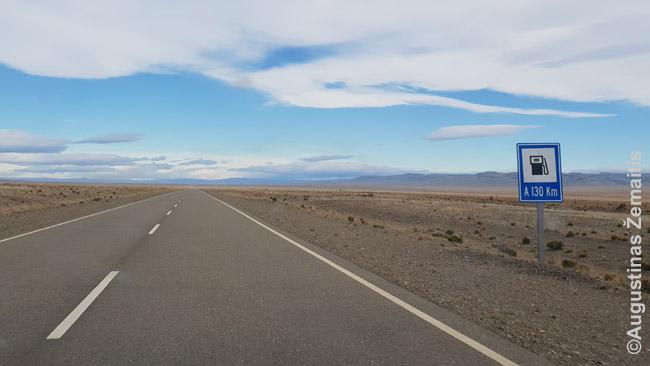 Pamačius ženklą 'degalinė' iš tolo, atrodo tuoj galėsi sustoti, atsigaivinti. Tada pamatai atstumą - 130 km. Tada sustoji tiesiog kelyje - juk vis tiek niekas nevažiuos, o jei važiuos, pamatysi iš labai toli.