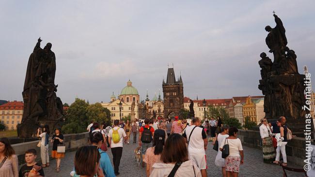 Ant Karlo tilto Prahoje