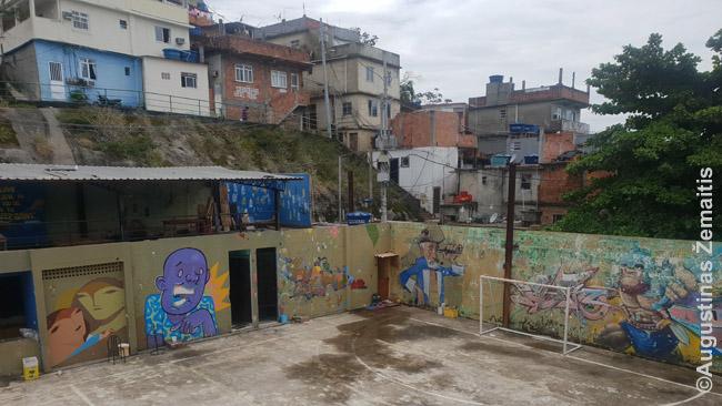 Vidigalio favela Rio de Žaneire. Tiesa, pastatarojoje faveloje besiruošiant Olimpiadai situacija pagerėjo