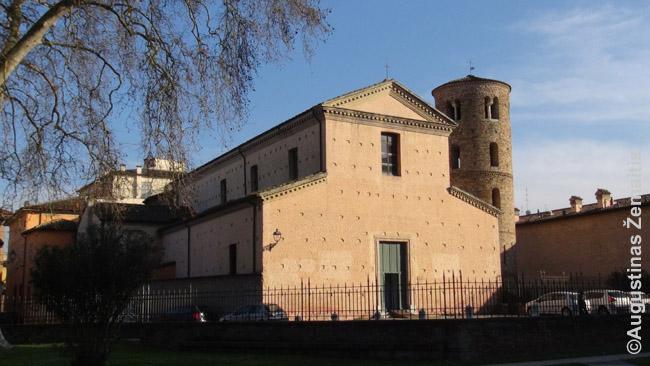 Romėnų bažnyčia. Priešingai šventykloms, kurių daugelis apleistos, dalis romėnų bažnyčių iki šiol veikia