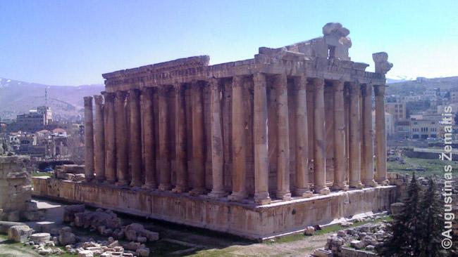 Romėnų dievo Bakcho šventykla Balbeke (dabartinis Libanas)