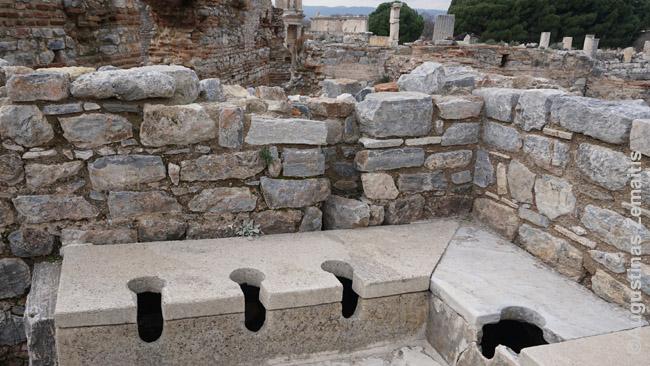 Viešieji tualetai Efese (dabartinė Turkija)