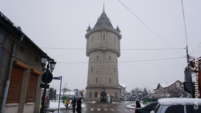 Tai - ne pilis - tai tiesiog prieškarinis vandens bokštas Drobeta Turnu Severin mieste