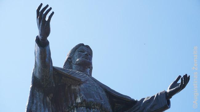 Kristaus Karaliaus statula