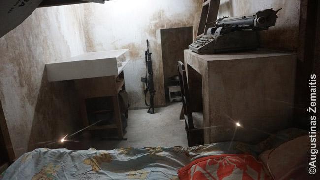 Atkurtas Rytų Timoro partizanų bunkeris Dilio rezistencijos muziejuje. Dilio rezistencijos muziejus – tikrai kokybiškas, su daug angliškos informacijos. Neseniai nepriklausomybę atgavusiose šalyse dažnai skiriamas didelis dėmesys jos įprasminimui
