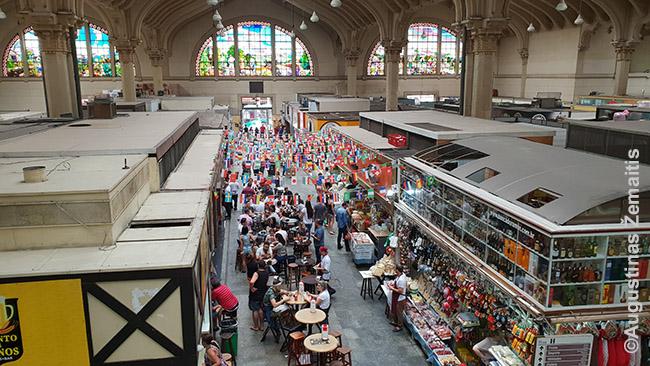 Municipalinis turgus. Šiaip San Paulo centre kainos - mažesnės, nei Lietuvoje. Bet tokių didelių kainų, kaip šiame turguje, Lietuvoje reiktų paieškoti.