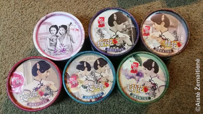Tarpukariu Šanchajuje susiliejo Vakarų ir Rytų mados: merginos, kaip įprasta Vakaruose, reklamuodavo Šanchajaus produkciją. Šiandien tie tarpukario kinių piešiniai reklamuoja jau suvenyrus turistams.