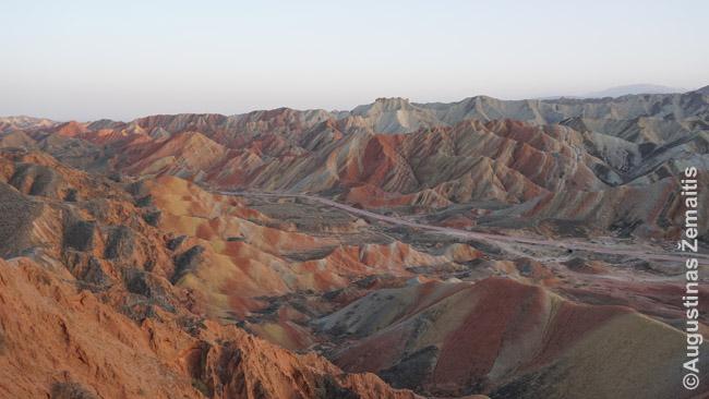 Džangje geoparko įvairiaspalviai kalnai