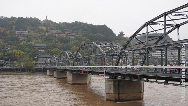 Seniausias tiltas per Geltonąją upę Landžou mieste. Geltonoji upė - vienas Kinijos simbolių