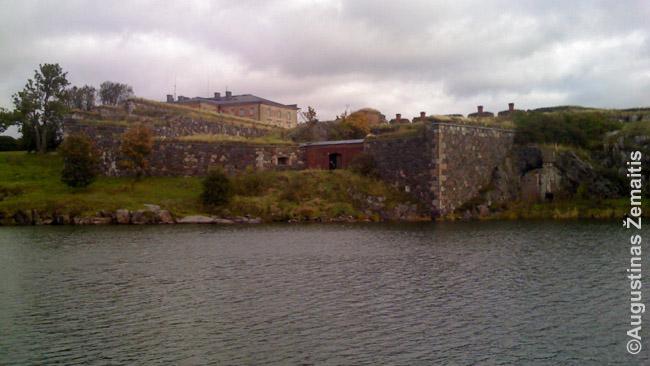 Atplaukiant į Suomenlinos salą-tvirtovę