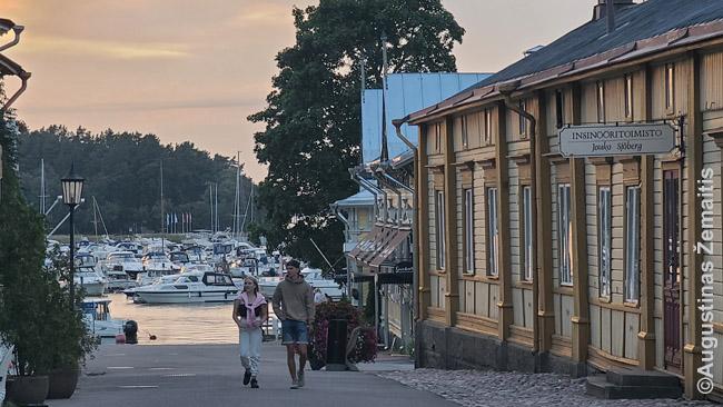 Nantalio miestelyje. Suomijoje itin populiarūs laivai