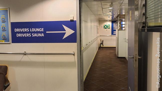 Nuoroda į sauną kelte Talinas-Helsinkis. Prie tokių nuorodų Suomijoje greitai pripranti: juk Suomijoje yra 5,5 mln. žmonių ir 2,3 mln. saunų