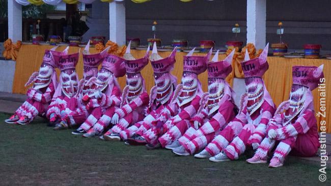 Phi Ta Kon dvasios, užplūstančios Dansajaus miestelį