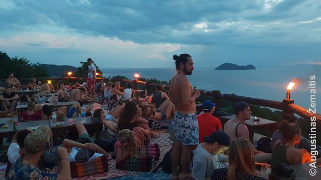 """Populiariausias Saulėlydžio baras Ko Pha Ngano saloje """"Amsterdam"""""""