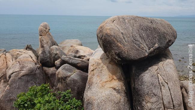 Senelio ir senelės uolos. Beje, Railajaus kurorte dar yra penių šventykla, į kurią neva paskendusios indų princesės dvasiai vietiniai neša penius