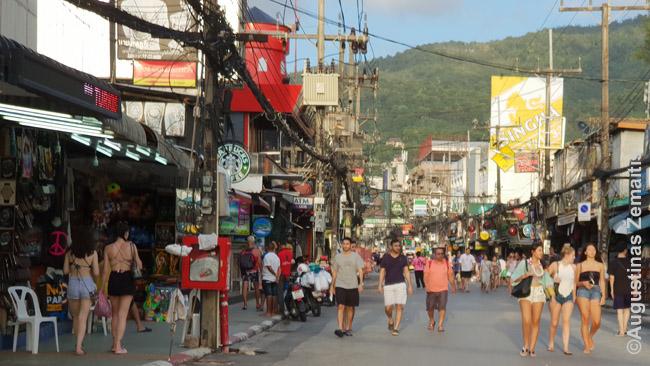 Patongo (Puketas) Bangla gatvė - viena garsiausių Tailando turistinių gatvių
