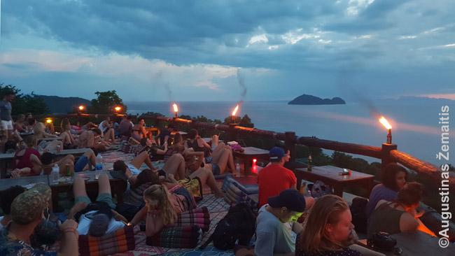 Turistai stebi saulėlydį Ko Pha Ngan saloje