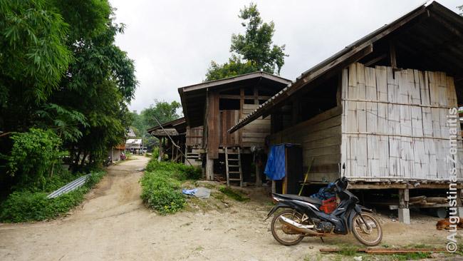 Karenų genties kaimas