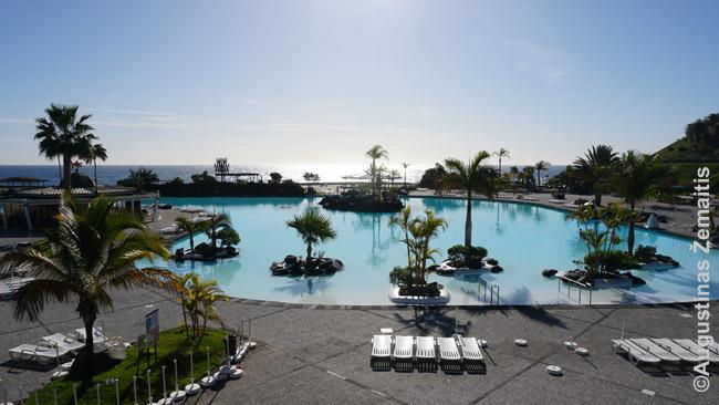 Garsaus Kanarų architekto Sezario Manrikės sukurtas baseinų ir poilsio parkas Tenerifės Santa Kruze