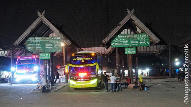 Makasaro autobusų stotyje