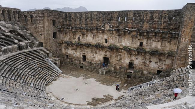 Aspendoso teatras, vienas geriausiai pasaulyje išsilaikiusių romėnų teatrų