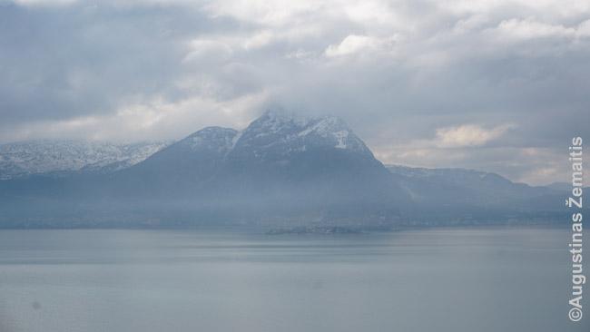 Ehirdiro ežeras