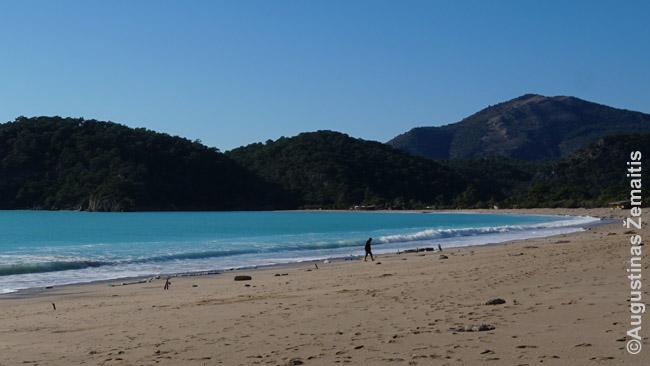 Idiliškas ir beprotiškai žydras Oludenizo paplūdimys