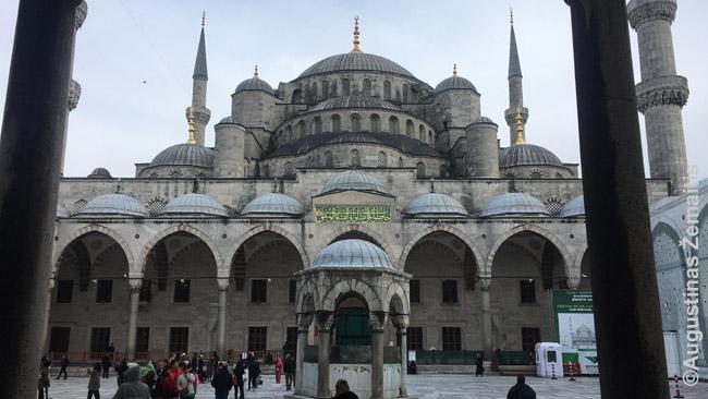 Mėlynoji mečetė, viena garsiausių Stambule