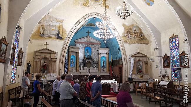 Urugvajaus lietuvių bažnyčios vidus