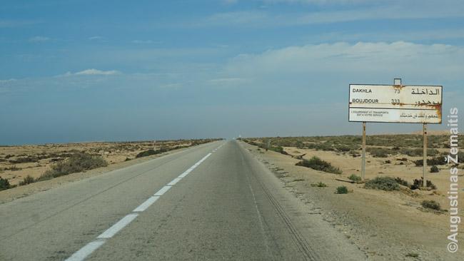 Pagrindinis šiaurės-pietų kelias per Vakarų Sacharą, jungiantis svarbiausius šalies miestus
