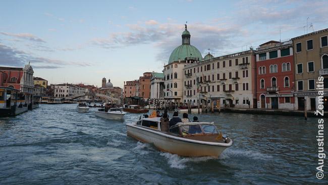 Transportas laivais Venecijoje