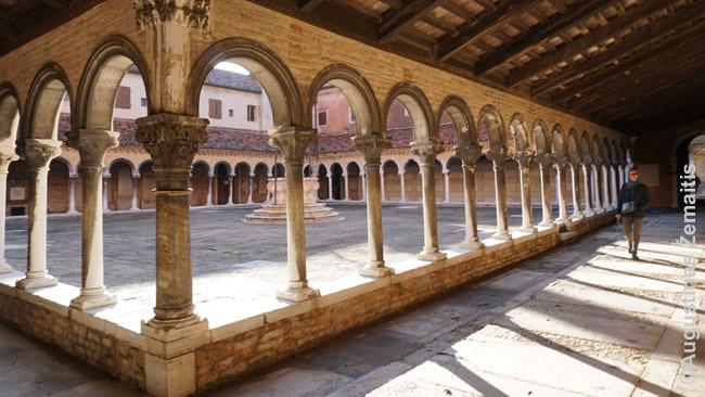 Venecijos kapinių saloje