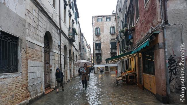 Sugrįžęs į Veneciją žiemą, pirmą kartą patyriau Venecijos potvynį