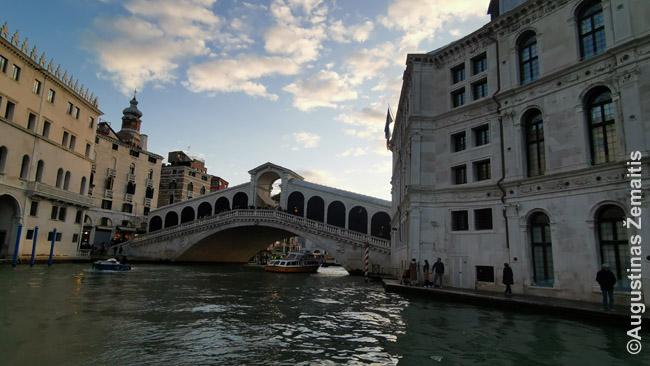 Venecijos Rialto tiltas - garsiausias iš visų