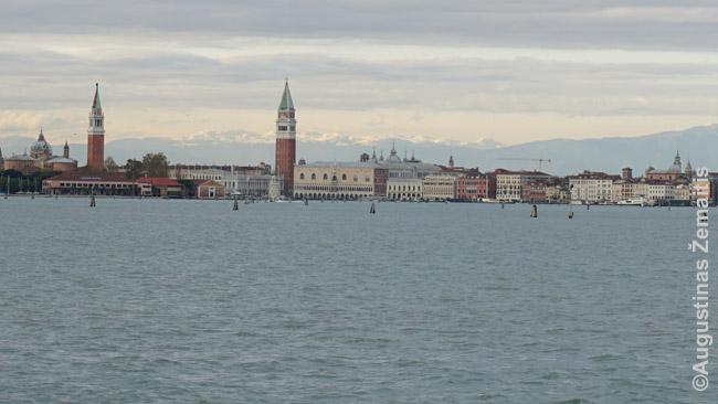 Venecijos panorama žvelgiant nuo Lido salos - tarsi miestas-laivas