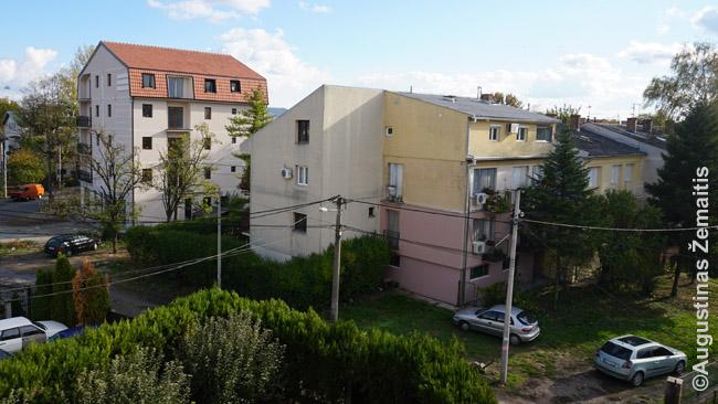 Viešbutis Belgrade buvo neblogas, bet tokiame privačių namų priemiestyje. Su automobiliu gerai - yra parkingas. Be jo, į centrą nusigauti beveik nebūtų galimybių