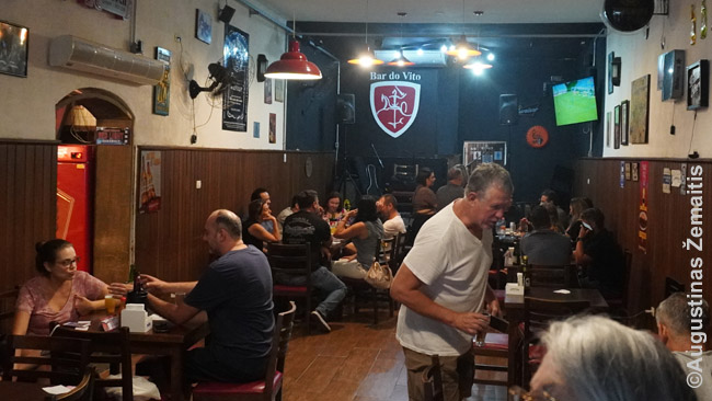 Vila Zelinos lietuvių bare Bar do Vito. Jis įkurtas dar 1942 m., o jo simbolis - Vytis. Lietuvoje dėl okupacijų joks baras ar restoranas neišliko taip ilgai