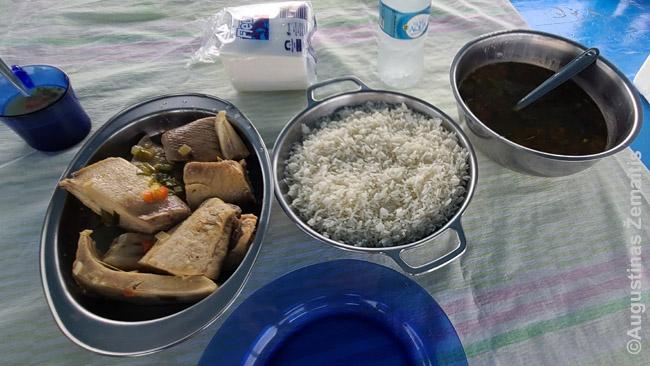 Amazonės žuvis su ryžiais